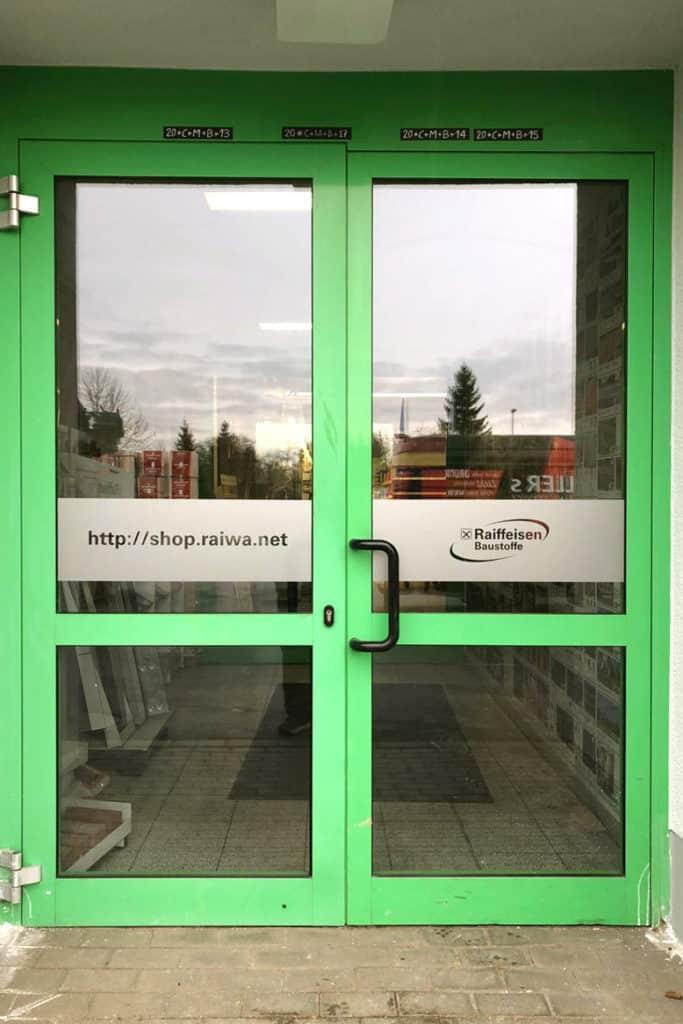 Glasdekor Tür Eingang Raiffeisen Mühlhausen