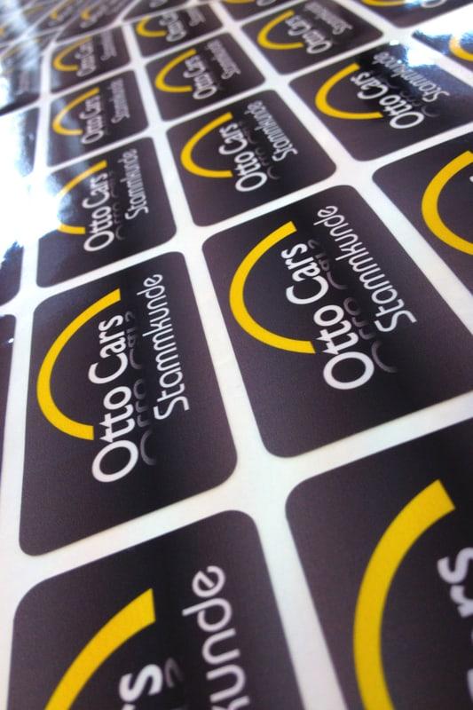 Aufkleber mit runden Ecken für Otto Cars