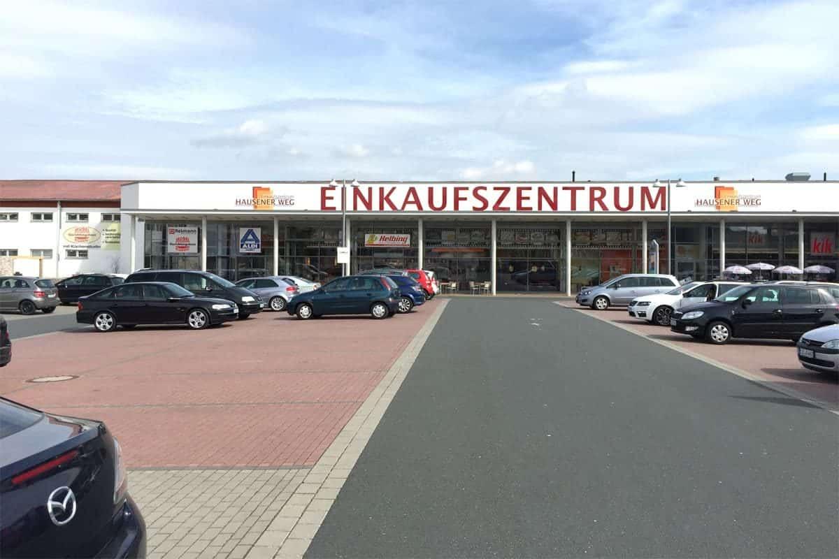 Fassadenwerbung Einkaufszentrum Hausener Weg
