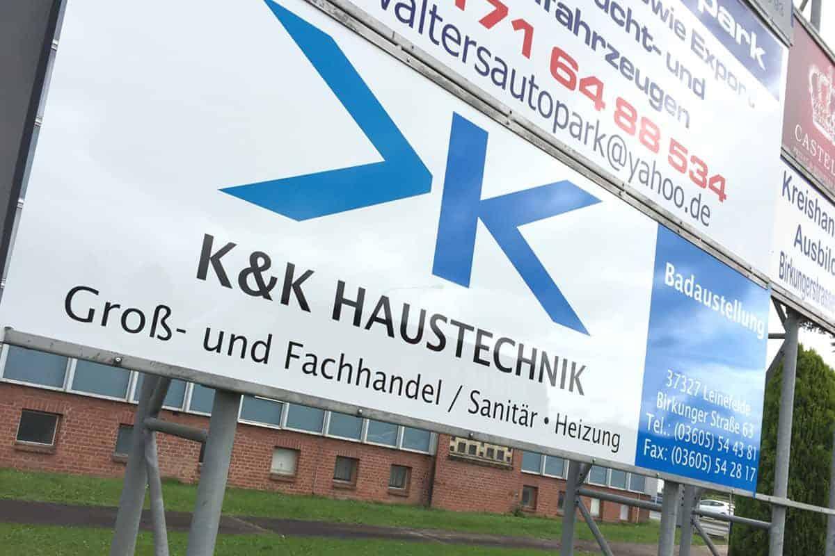 Hinweisschild K&K Haustechnik, Aludipond