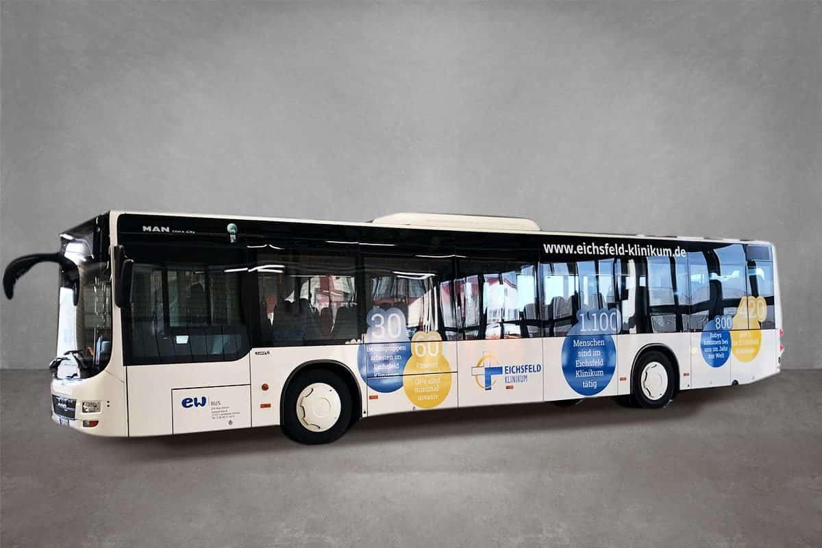 Verkehrsmittelwerbung Beschriftung Beklebung Firmenfahrzeug Fahrzeugbeschriftung Werbung Bus Eichsfeld Klinikum