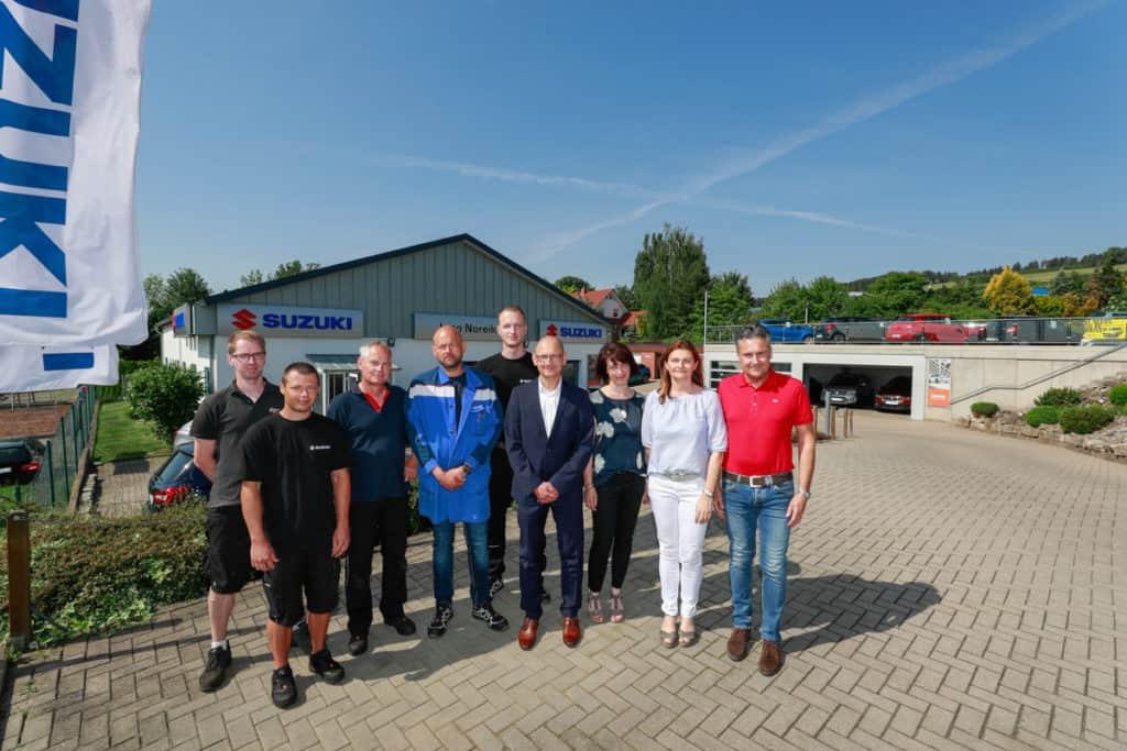 Gruppenbild der Mitarbeiter des Autohaus Noreik Worbis