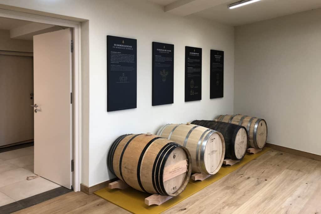 Informationsbeschilderung Whiskywelt Burg Scharfenstein, selbstleuchtend