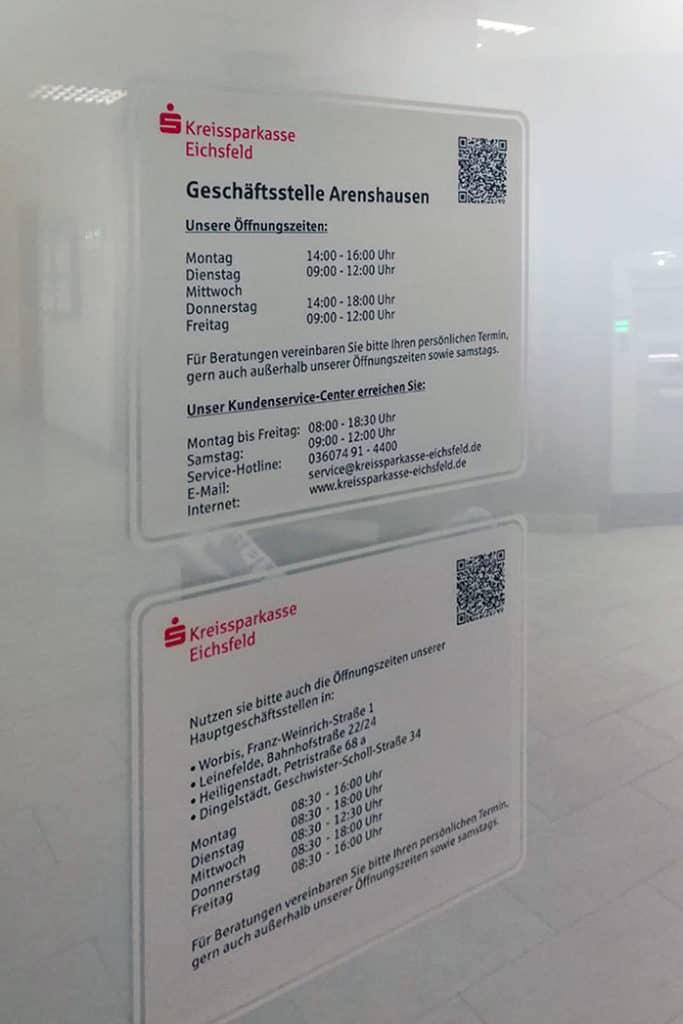 Informationsbeschriftung Glasdekor Öffnungszeiten Kreissparkasse Eichsfeld 2