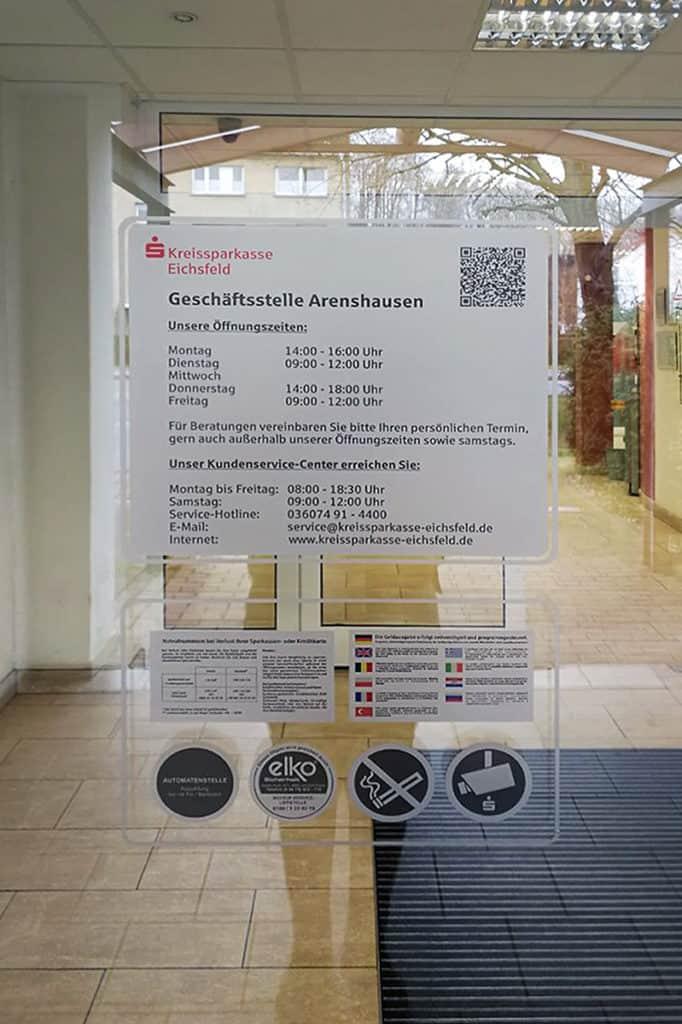 Informationsbeschriftung Glasdekor Öffnungszeiten Kreissparkasse Eichsfeld 1