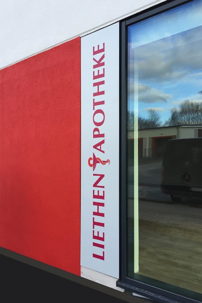 Leuchtkasten Liethen Apotheke Heiligenstadt, Seitenansicht