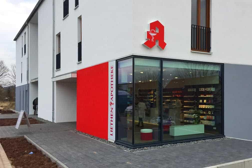 Leuchtkasten, Liethen Apotheke Heiligenstadt, Außenwerbung, Folienverklebung 2