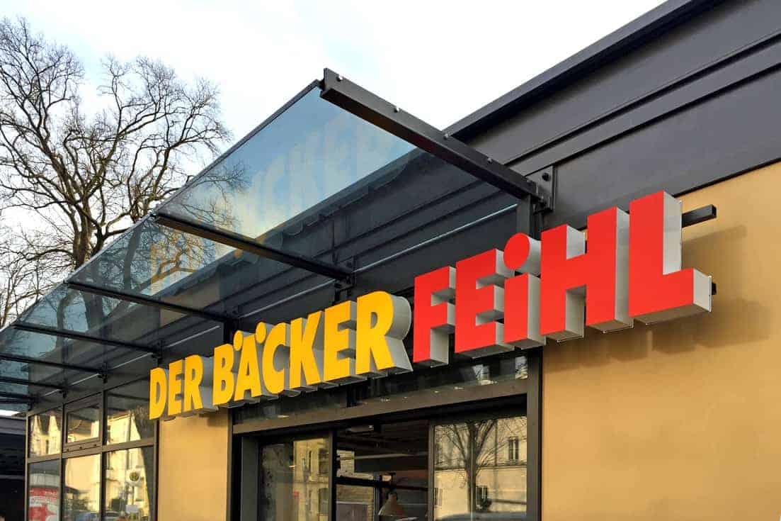 Lichtwerbung, Der Bäcker Feihl Karlshorst 1