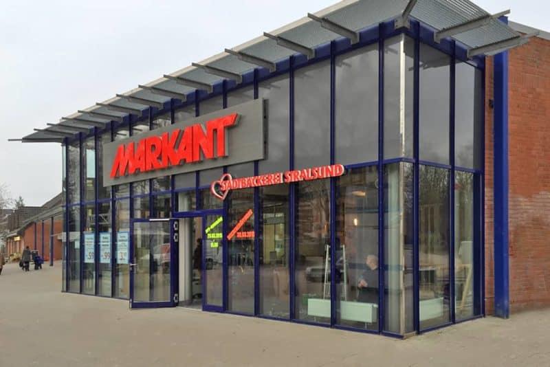 Lichtwerbung Vollacrylbuchstaben Der Stadtbäcker Stralsund Markant