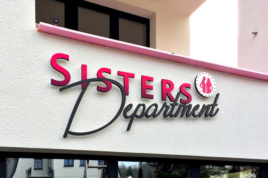 Sisters Department, Außenwerbung, Fassadenwerbung, Leuchtbuchstaben