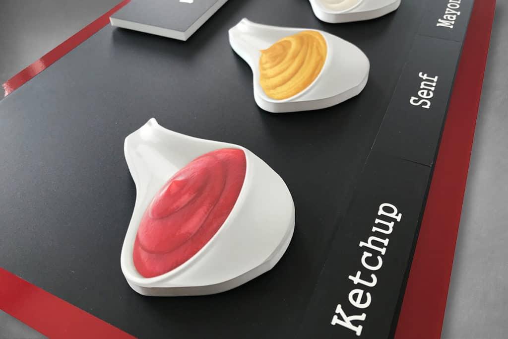 Angebotstafel mit magnetischen Bildern, gefräst und bedruckt für Berlin Currys