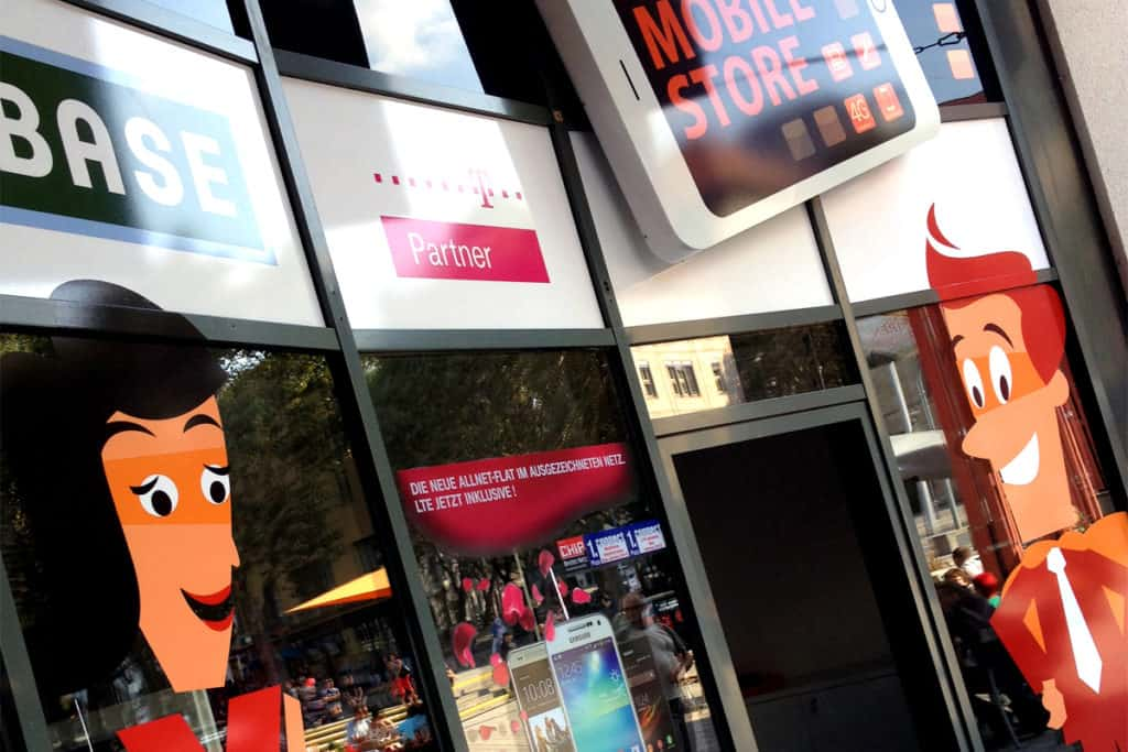 Schaufensterbeschriftung Mobile Store Jena im Detail