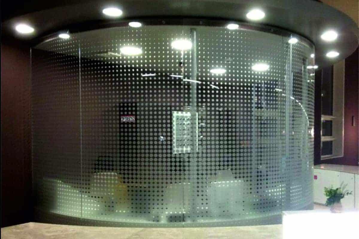 Schaufensterbeschriftung, Sichtschutz, Glasdekor Klinikum 1