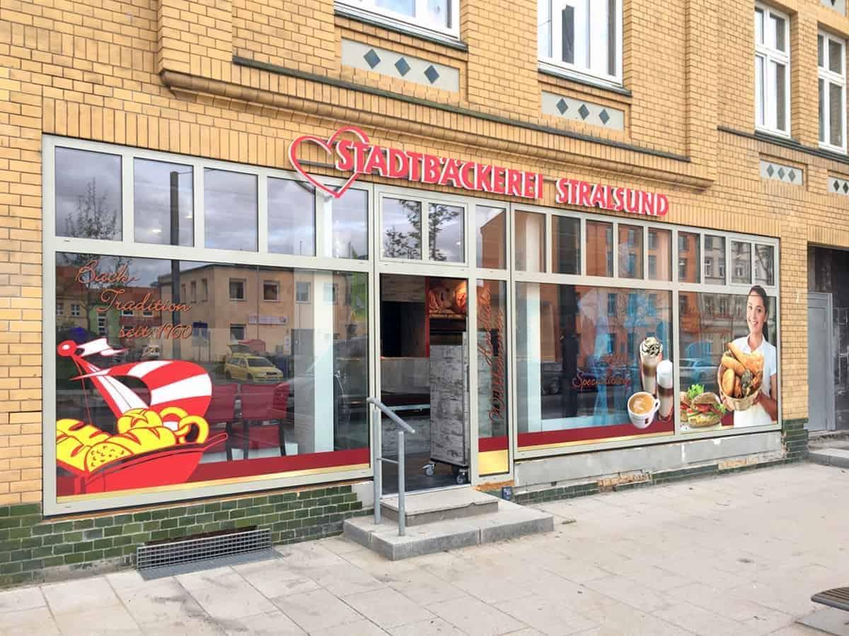 Schaufensterbeschriftung Stadtbäckerei Stadtbäcker