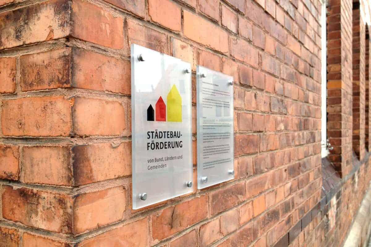 Informationsbeschilderung Acrylschilder, Städtebau Förderung