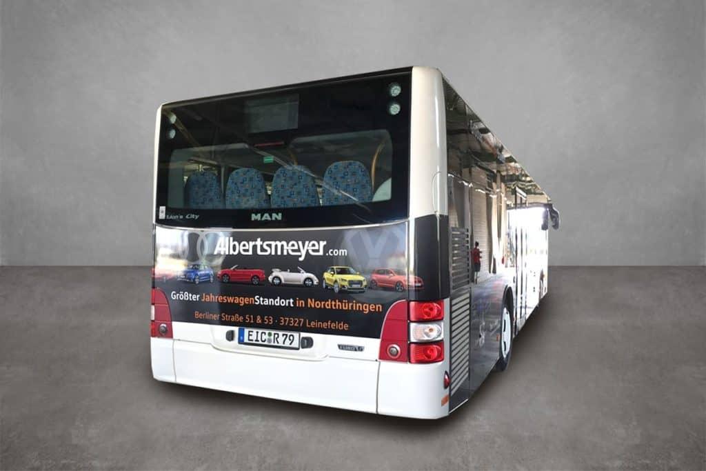 Linienbus mit Werbebeklebung für das Autohaus Albertsmeyer aus Worbis